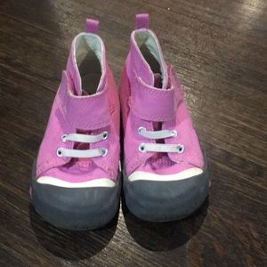 Other - Good used condition Keens pink high top sneaker